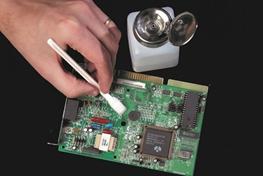 Limpiar Componentes Electrónicos con Alcohol Isopropílico